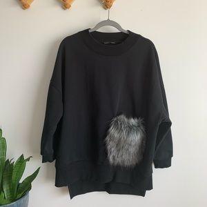 Zara oversized fit sweatshirt faux fur pocket